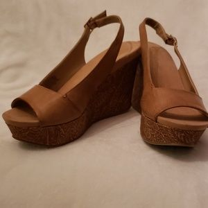 Kenneth Cole Reaction wedge sandles